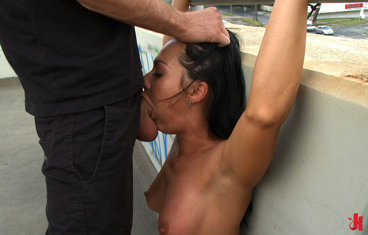 blondie piper perri gets her trainers monster balls deep in her cunt