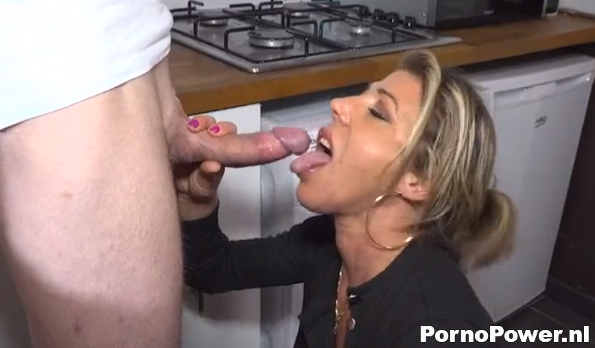 old granny works her pussy with sex toys