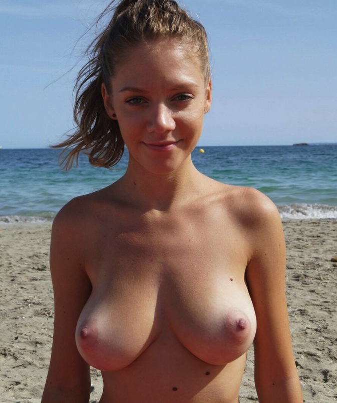 biggest sex pussy in the world #bigboobs #bully #mom #momstits #selfie #slut #tits #topless #udders #whore