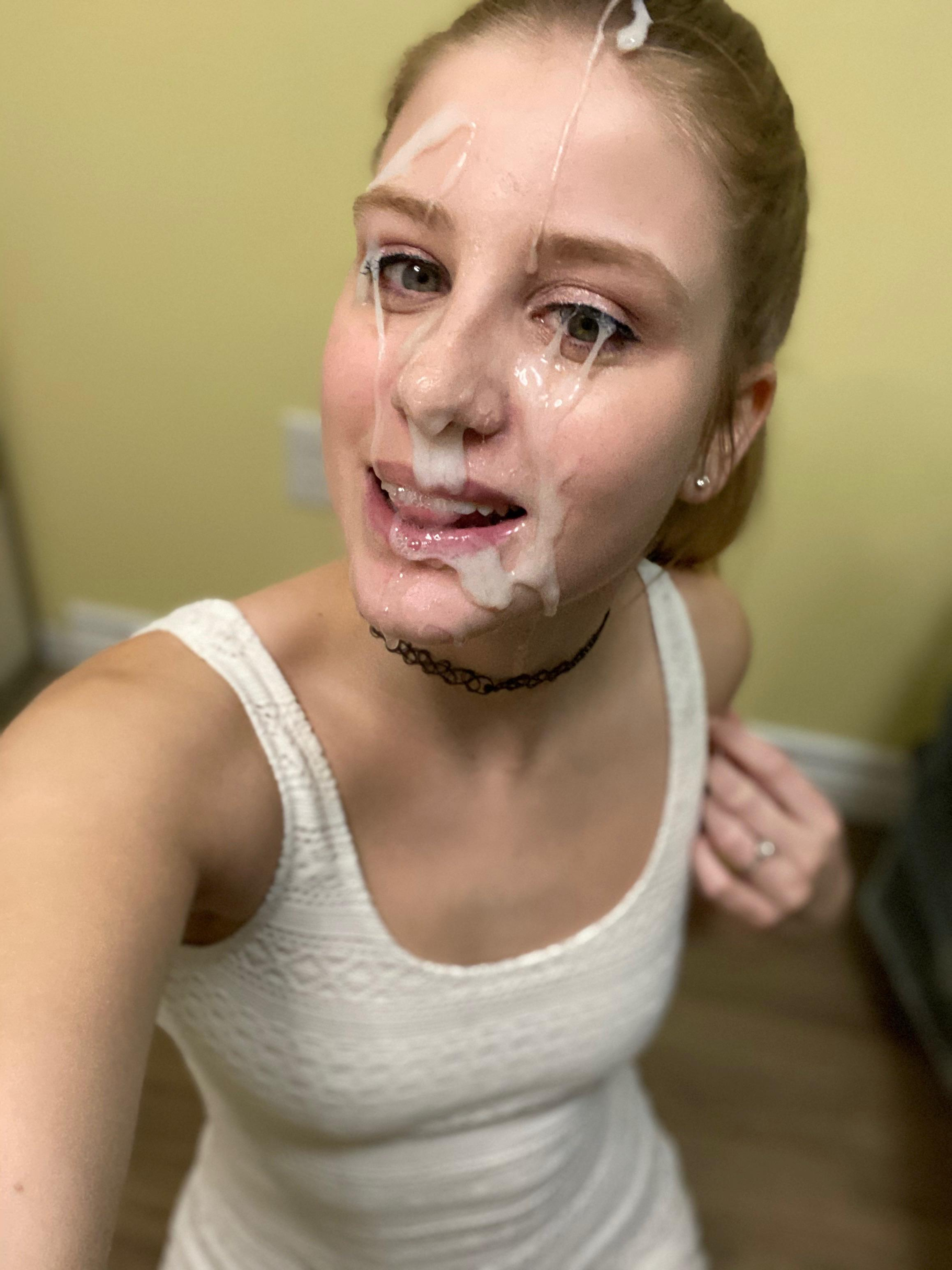 teen girl interested to changing room dick flash