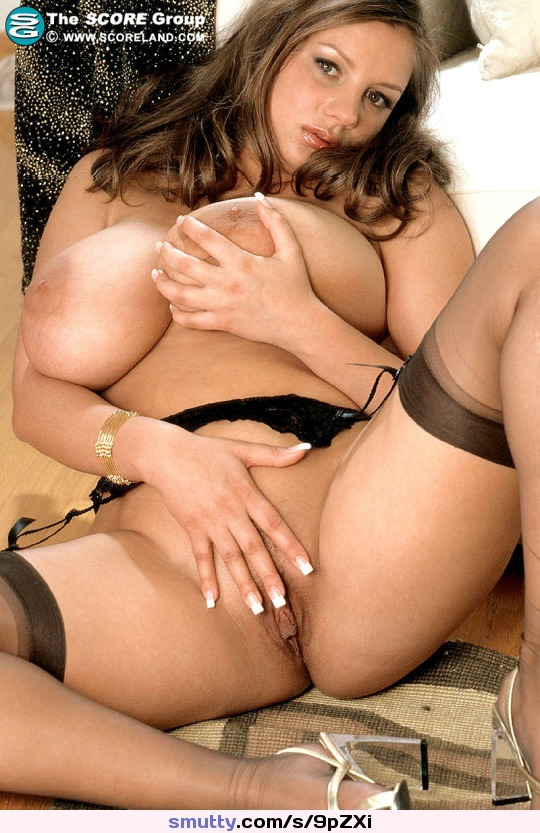 oiled up shemale jerks and cums her dickmeat