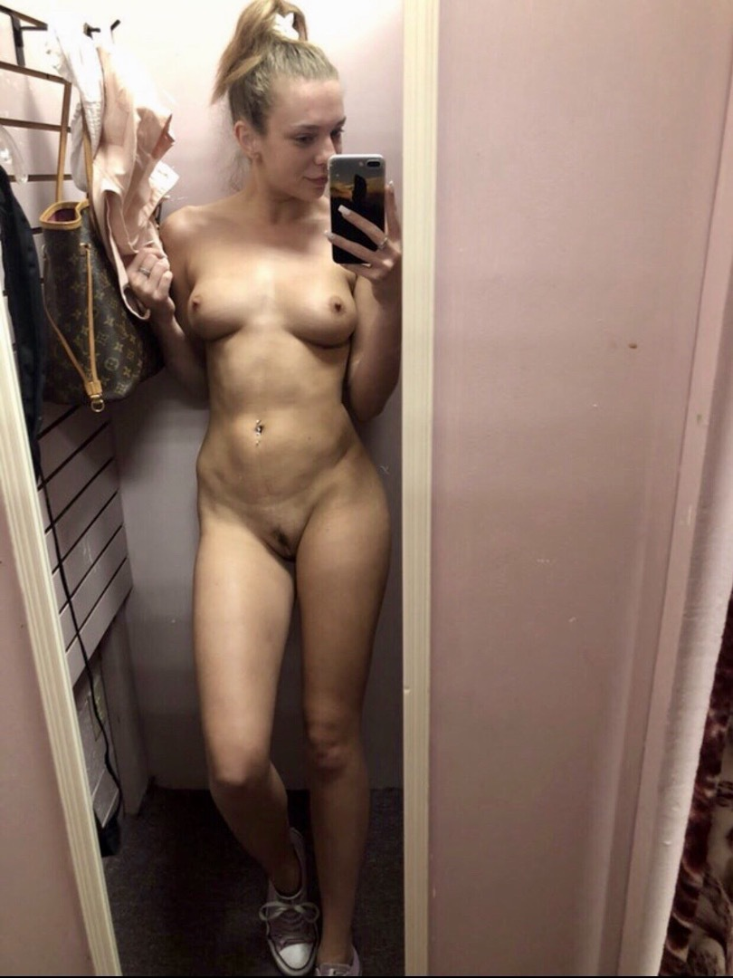 hairy pussy pics hairy pussy flash accidental nudes and caught nude pics